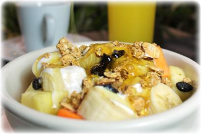 Fresh tropical fruit, yogurt and granola