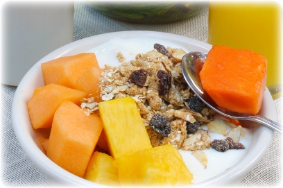 Fresh tropical fruit, yogurt and granola